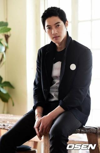 キム・ヒョンジュン、6日に日本で発売したニューシングル「re : wind」がオリコンデイリーチャート1位獲得。