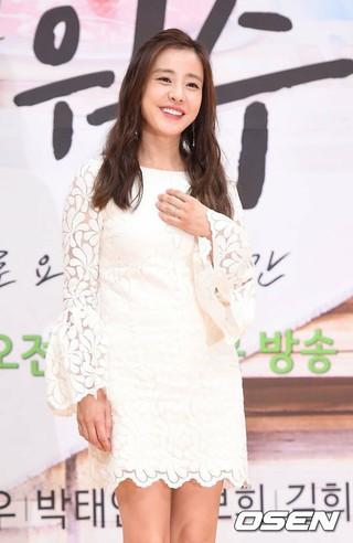 パク・ウネ、SBS朝ドラマ「甘い敵」の制作発表会に出席。