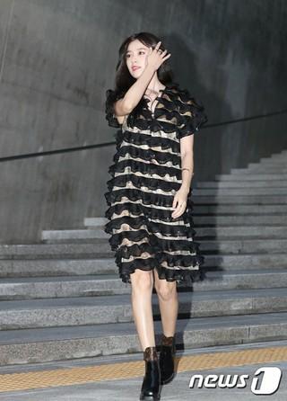 女優ハン・ヒョジュ、「飛行しろ、航海しろ、旅行しろ―ルイ・ヴィトン」展示会開催記念イベントに出席。@ソウル・東大門デザインプラザ。 (2枚)