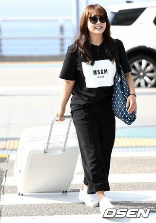 ナム・サンミ、空港ファッション。海外スケジュールのため仁川国際空港より出国。