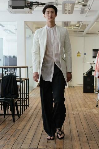 俳優イ・ギウ、2018 S/S ロンドンファッションウィークのモデルに抜擢。今月10日、SONGZIOファッションショーの舞台に立ち、スポットライトを浴びた。韓国俳優として初。