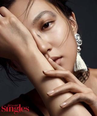 女優ハ・ヨンジュ、画報公開。雑誌Singles。