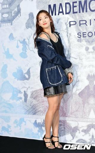 女優パク・シネ、シャネル展示開催記念フォトイベントに出席。@ソウル・D MUSEUM。 (2枚)