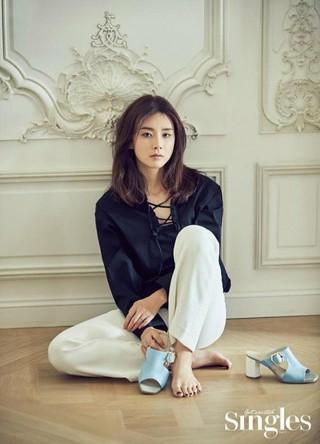 女優イ・ボヨン、画報公開。雑誌Singles。