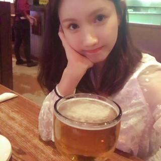 AFTERSCHOOL 出身ジョンア、SNS公開。グアム。私の顔ぐらいのビール。 (4枚)