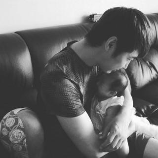 俳優ユン・サンヒョン、SNS更新。娘との幸せな日常。