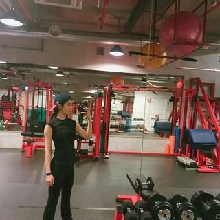 女優ハン・チェア、SNS更新。運動中。優れたスタイル誇る!
