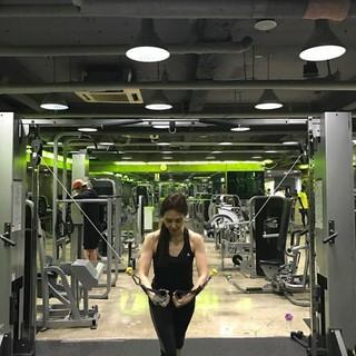 女優チェ・シラ、筋トレする姿を公開。