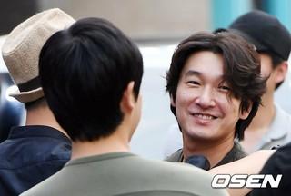 俳優チョ・スンウ、主演ドラマ「秘密の森」打ち上げパーティに参加。ソウル、江南(カンナム)。