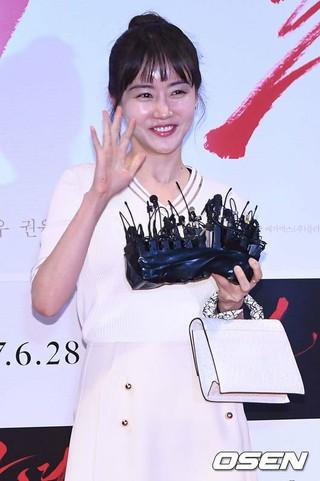 女優ファンウ・スルヘ、映画「ラブスリング」でスクリーン復帰。俳優ユ・ヘジンと共演へ。