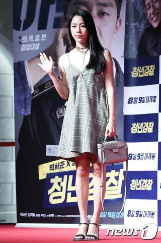 JEWELRY 出身イェウォン、映画「青年警察」VIP試写会に出席。@ソウル・ロッテシネマワールドタワー店