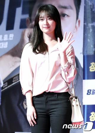女優キム・ジウォン、映画「青年警察」VIP試写会に出席。@ソウル・ロッテシネマワールドタワー店