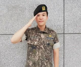 4Men キム・ウォンジュ、今日(8月10日)除隊。「寂しがっていたメンバーのシン・ヨンジェ、ありがとう」