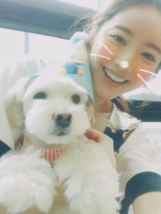 女優ホン・スア、SNS更新。子犬と一緒に。「Happy birthday soo」。