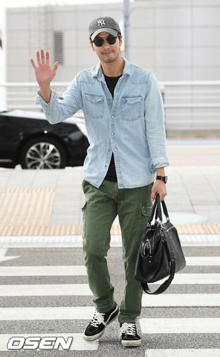俳優キム・ジソク、MBC「20世紀少年少女」香港ロケ撮影のため出国。