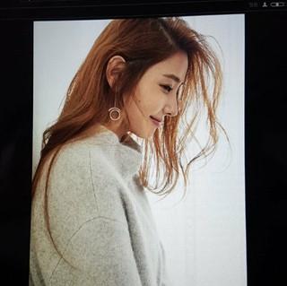 女優ハン・チェヨン、SNS更新。横向きも美しい!