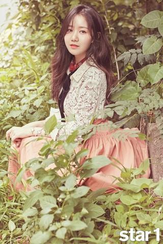 女優チン・ジヒ、画報公開。雑誌@ star1。