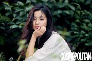 女優キム・テリ、画報公開。雑誌「COSMOPOLITAN」。