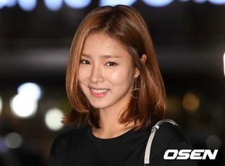 女優シン・セギョン、tvNドラマ「河伯の花嫁2017」打ち上げに参加。@ソウル・汝矣島の飲食店。