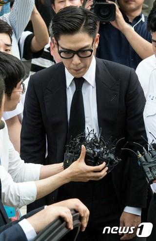 BIGBANG T.O.Pと大麻吸煙で起訴された元練習生ハン・ソヒ、「大麻を勧めたのはT.O.P」と証言。韓国メディア報道。