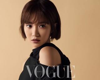 女優コ・ジュンヒ、画報公開。雑誌「VOGUE KOREA」。