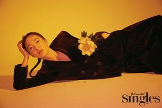 女優ソン・スヒョン、画報公開。雑誌「Singles」。