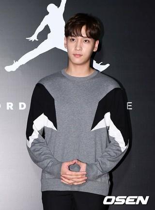 俳優チェ・テジュン、KBS「国民トークショー アンニョンハセヨ」降板が確定。9月4日が最後の放送に。