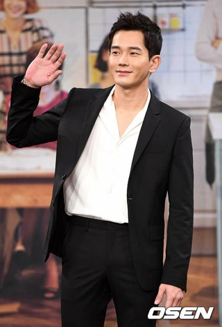 俳優オン・ジュワン、MBCドラマ「お膳立てする男」の制作発表会に出席。
