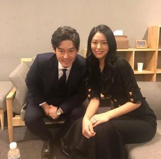 C-JeS エンターテインメント、SNS更新。俳優ソル・ギョング & AOA ソリョンのツーショット写真を公開。