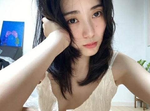 クォン・ミナ(元AOA)、自撮り写真を投稿。手の傷に心配の声も。。