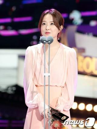女優パク・ボヨン、「ソウルドラマAWARDS」で「韓流ドラマ演技者賞」を受賞。「力の強い女、ト・ボンスン」、ソウル汝矣島(ヨイド)。
