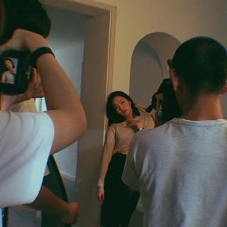 女優キム・ゴウン、SNS更新。撮影中。