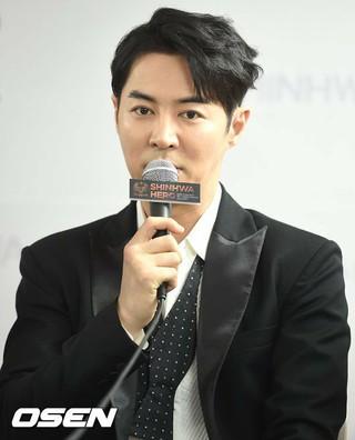SHINHWA チョンジン、Daydreamエンターテインメントとの専属契約満了。再契約はせず。
