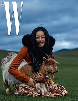 女優コ・アソン、画報公開。雑誌「W KOREA」。
