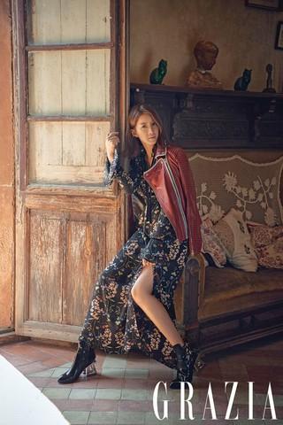 女優イ・シヨン、画報公開。雑誌「GRAZIA」。