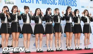 TWICE、「第1回Soba Best K Music Awards」レッドカーペットに登場。20日午後、ソウル・蚕室学生体育館。