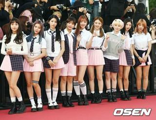 DIA、「第1回Soba Best K Music Awards」レッドカーペットに登場。20日午後、ソウル・蚕室学生体育館。