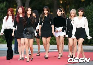 宇宙少女、「第1回Soba Best K Music Awards」レッドカーペットに登場。20日午後、ソウル・蚕室学生体育館。