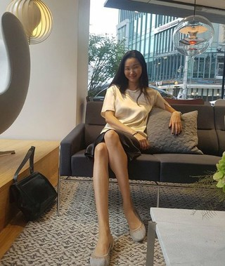 モデルのチャン・ユンジュ、SNS更新。圧倒的なモデルオーラ!