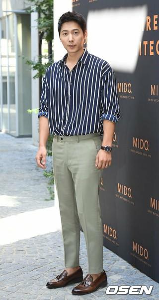 俳優イ・サンウ、スイス時計ブランドのイベントに出席。