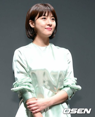 女優ハ・ジウォン、「第22回釜山国際映画祭」の映画「Manhunt」観客との対話に出席。