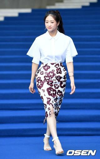 女優ペ・ヌリ、BOURIEファッションショーに出席。17日午前、東大門DDP「2018 S/S Seoul Fashion Week」。