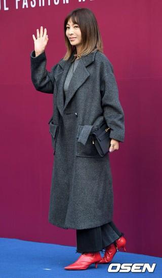 女優ファン・シネ、 &#39&#59;2018 S/S ソウルファッションウイーク&#39&#59;に参加。ソウル東大門のDDP。