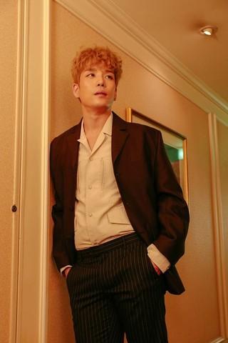 2AM のメンバーで男性デュオHOMME としても活動するイ・チャンミン、「LBMA STAR Awards 2017」で韓流スター賞を受賞。