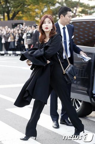 女優パク・ソルミ、俳優ソン・ジュンギ-ソン・ヘギョの結婚式に出席。31日午後、新羅ホテル。