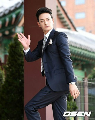 俳優イム・ジュファン、俳優ソン・ジュンギ-ソン・ヘギョの結婚式に出席。31日午後、新羅ホテル。