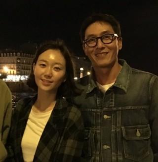 故キム・ジュヒョクの恋人イ・ユヨン、彼のそばを2日間はなれず…。憔悴しきった様子との情報。