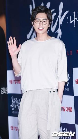 俳優シン・ドンウク、tvN土日ドラマ「ライブ」出演確定。