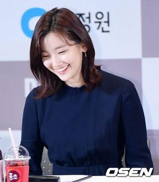 女優パク・ソダム、第38回青龍映画賞ハンドプリンティングイベントに出席。