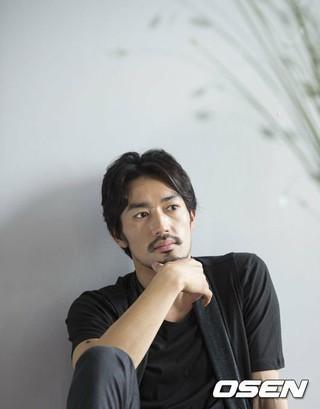 オオタニ・リョウヘイ(大谷亮平)、映画「家に帰ると妻が必ず死んだふりをしています。」(李闘士男監督、来年夏公開)にキャスティング。小出恵介の代役抜てき。